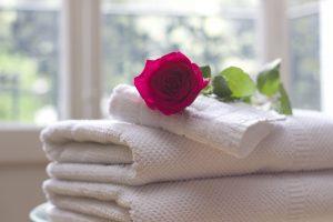 מגבות ופרח